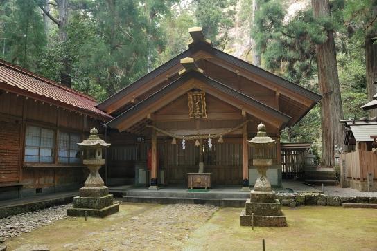大馬神社本殿