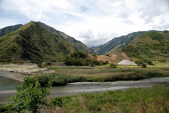 足尾砂防ダムの上流