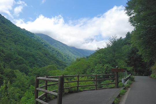 大水沢の滝展望台