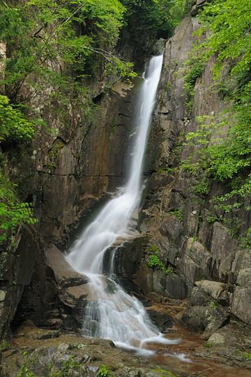 夕森渓谷の滝めぐり 銅穴の滝