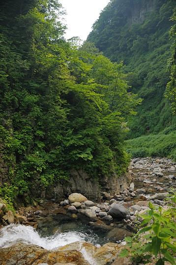 大岩盤渓谷