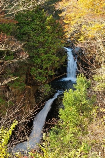 秋と夏の女男滝
