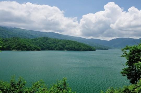 有峰ダムと熊野川ダム